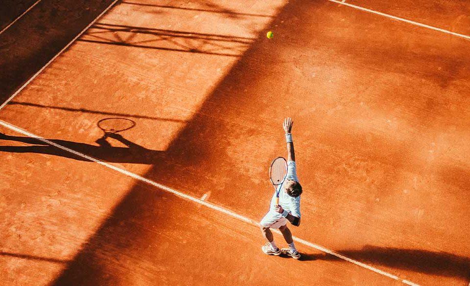 Tennisspieler auf dem Tennisplatz